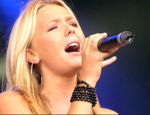Sing High Notes: Why You Strain-use this one special exercise to stop the squeeze!